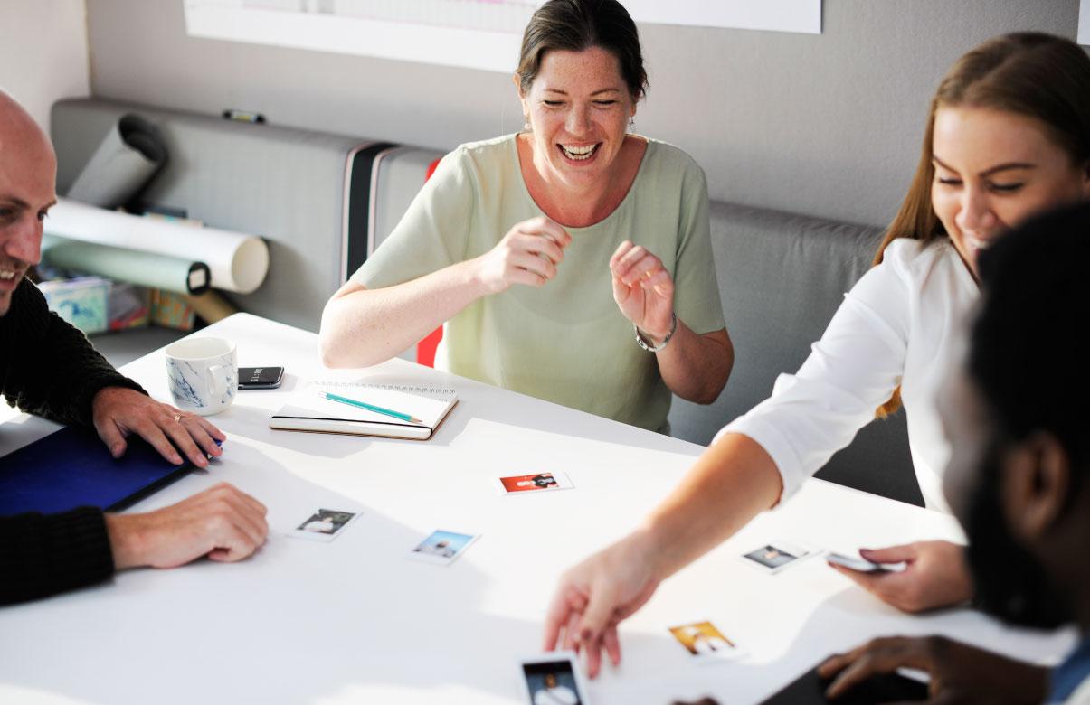 grupo de personas en un team building