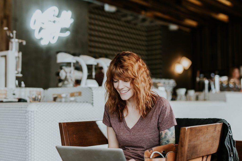 8 Negocios que deben Ofrecer WiFi.